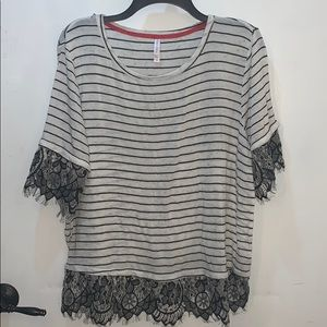 Comfy Top with Stripes and Lace Trim XXL